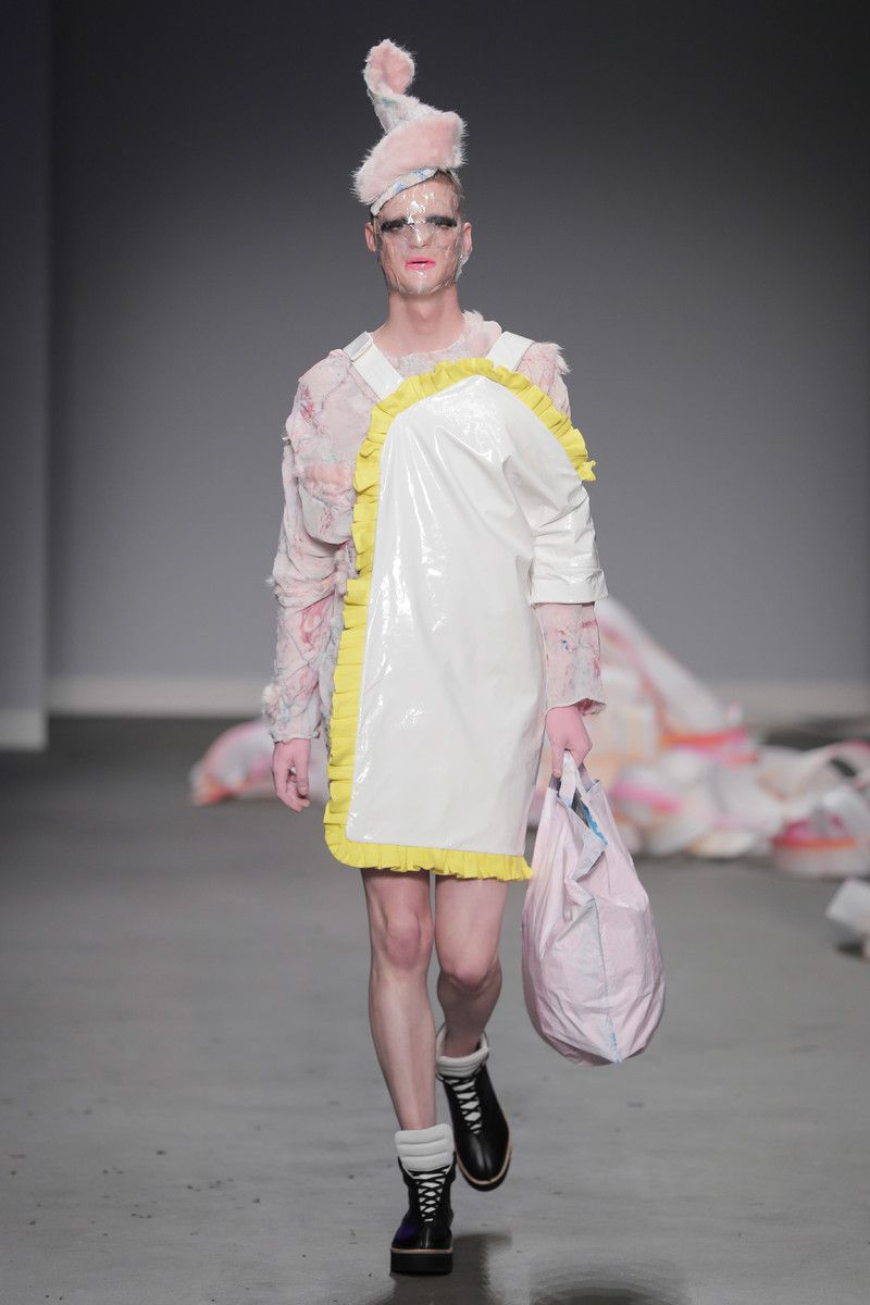 Ajbilou | Rosdorff showing at the Mercedes-Benz Amsterdam Fashion Week - pink and white dress