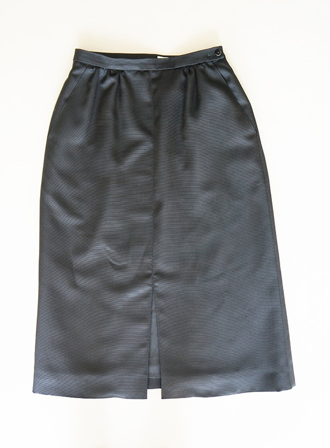 Vintage black pencil skirt borrowed from Amsterdam fashion library