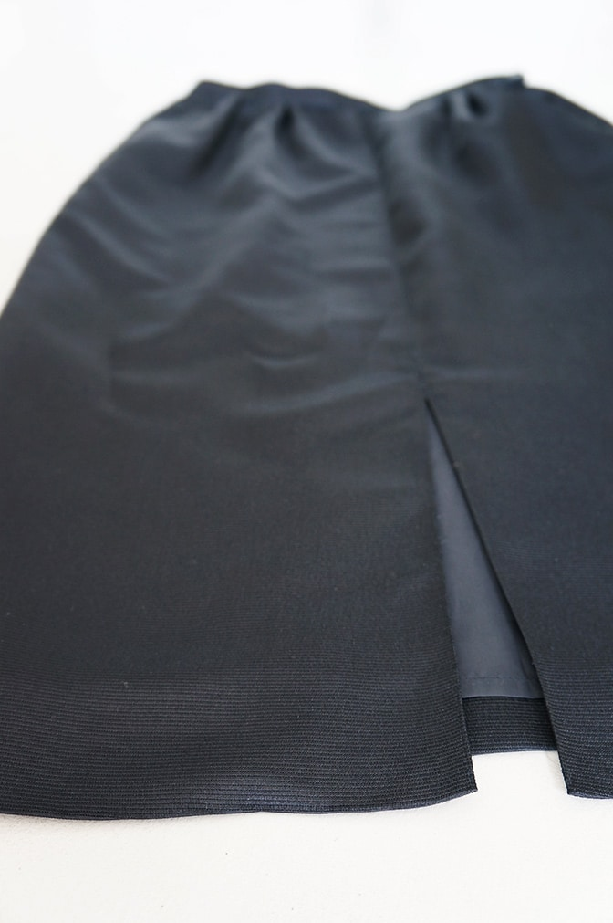 Vintage black pencil skirt - detail
